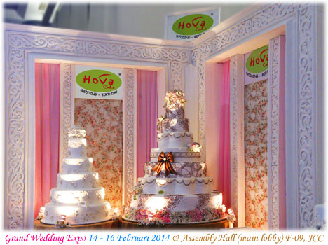 Booth Hova Cake at Grand Wedding Expo 2014